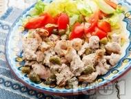 Рецепта Вкусни пилешки филенца от гъриди (филе) със сметана и кисели краставички на тиган